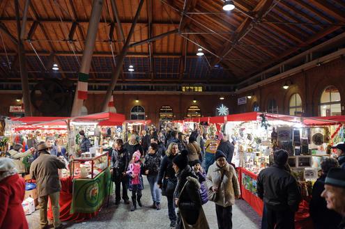 Mercatino di natale a borgo dora tra tradizione torinese for Borgo dora torino