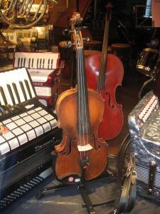 violin-67423_640