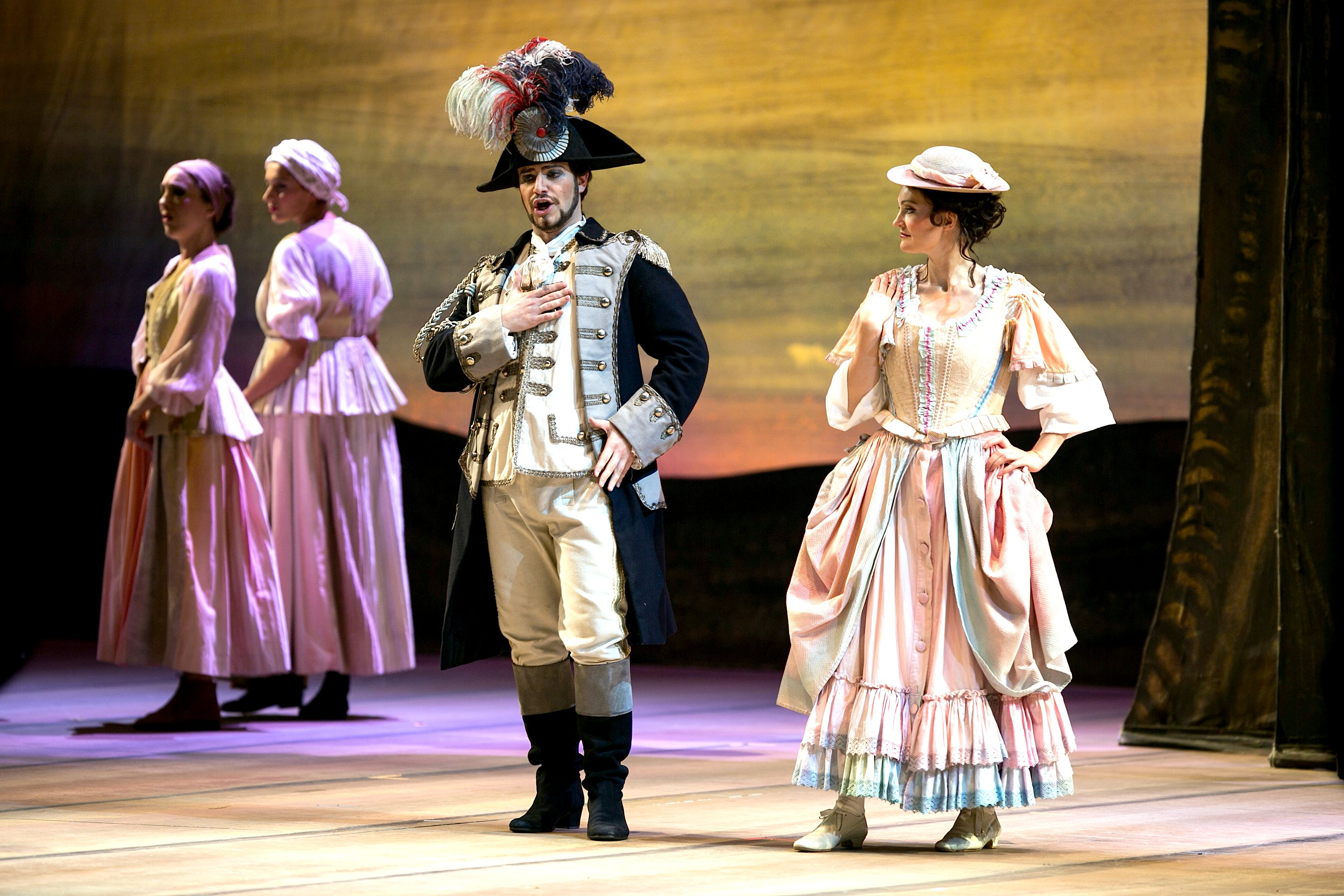 5a. Belcore Figaro in Elisir d'amore (foto di M.Orselli)