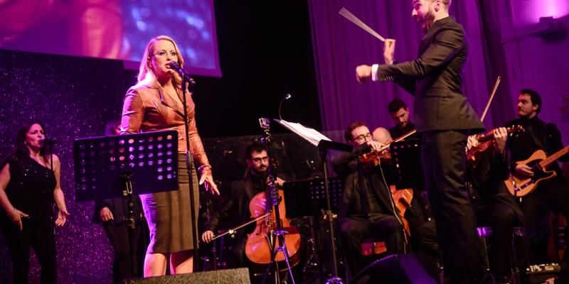 Jacopo Sipari di Pescasseroli dirige Anastacia per The Children For Peace Spazio Novecento 28 11 15 (53)