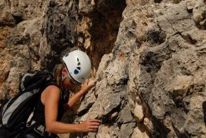 ragazza-arrampicata