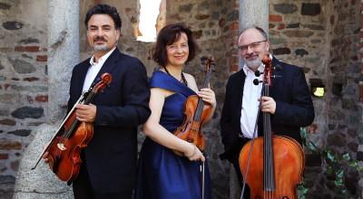 Foto Trio, in blu, credit Nuccia Lo Faro